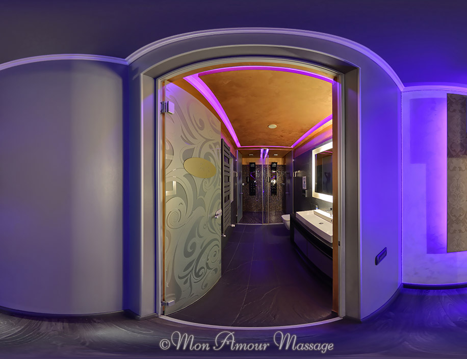 The Mon Amour erotic massage parlor Bucharest - 2nd Floor bathroom