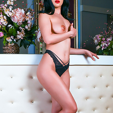 Erotic massage in Bucharest with Andra